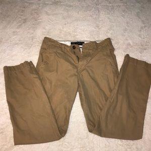 Men's 28x30 Am Eagle khakis Original Straight